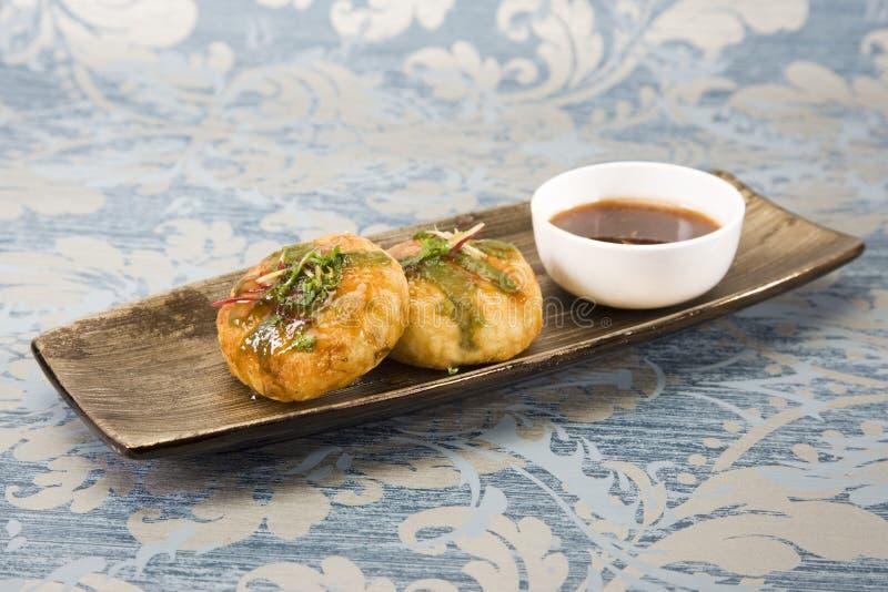 Aloo Tikki ou Fried Potato Balls ou Chaat photographie stock libre de droits