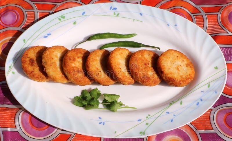 Aloo Tikki ou Fried Potato Patties images stock