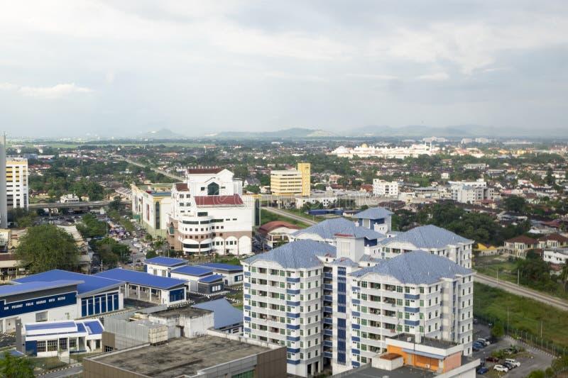 ALOR SETAR, МАЛАЙЗИЯ, 9-ОЕ ЯНВАРЯ 2018: Городские пейзажи вида с воздуха городка Alor Setar расположенные на северной полуостровн стоковое фото rf