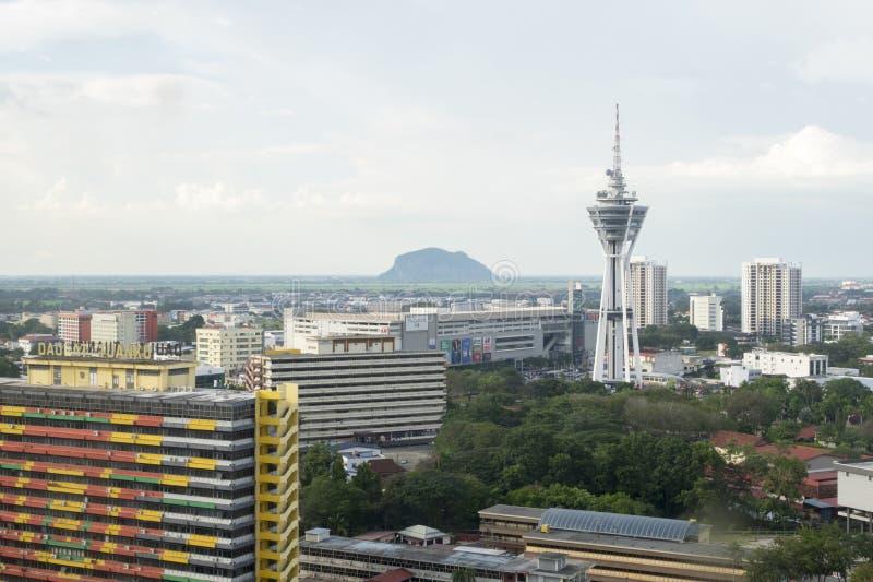 ALOR SETAR, MALÁSIA, O 9 DE JANEIRO DE 2018: Arquiteturas da cidade da vista aérea da cidade de Alor Setar situadas em Malásia pe imagens de stock
