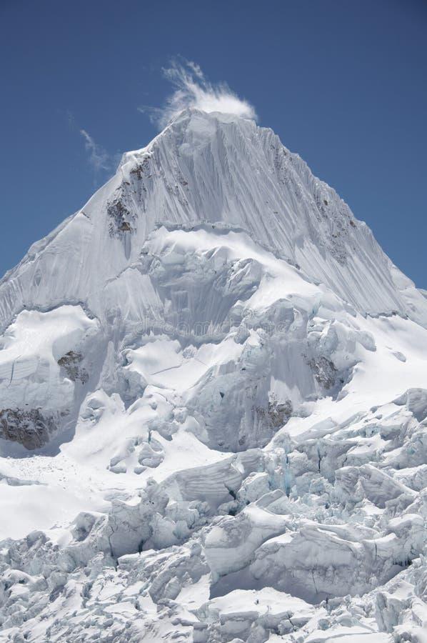 alpamayo blanca山脉峰顶 免版税库存图片