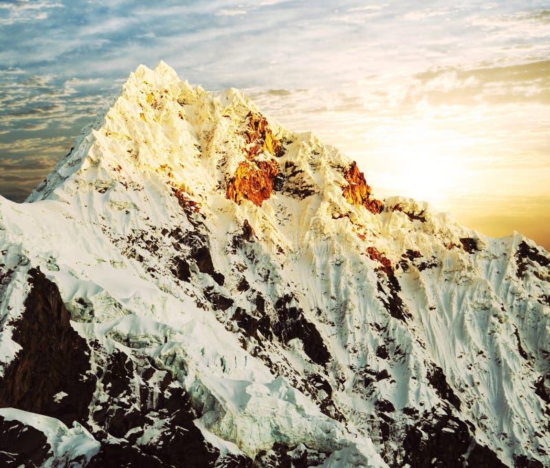 alpamayo szczyt zdjęcie stock