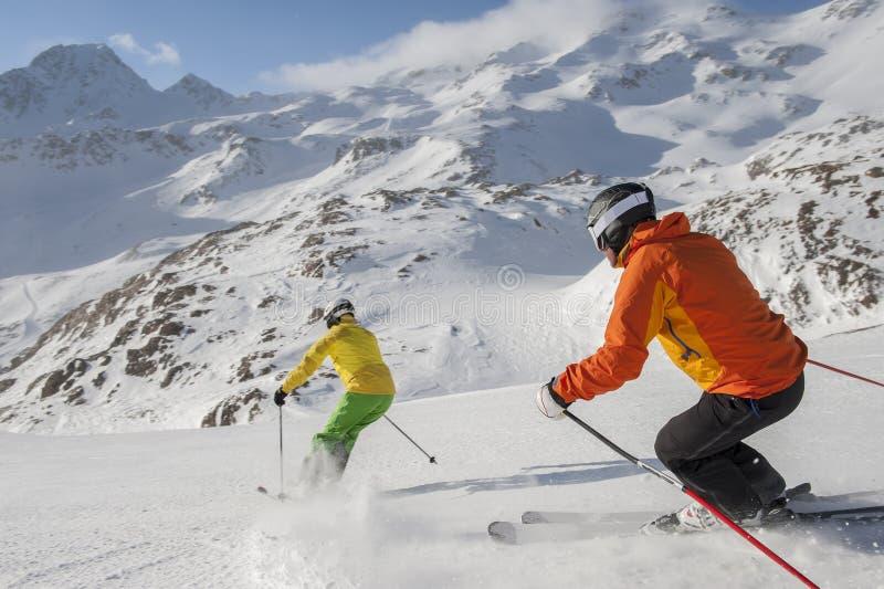 Alpejski narciarstwo obraz royalty free