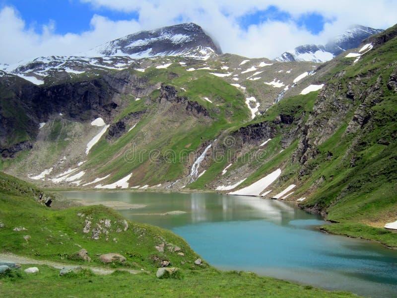 Alpejski rezerwuar blisko Gorner lodowa fotografia stock