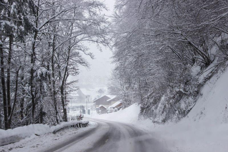 Alpejski zima dzień zdjęcie stock