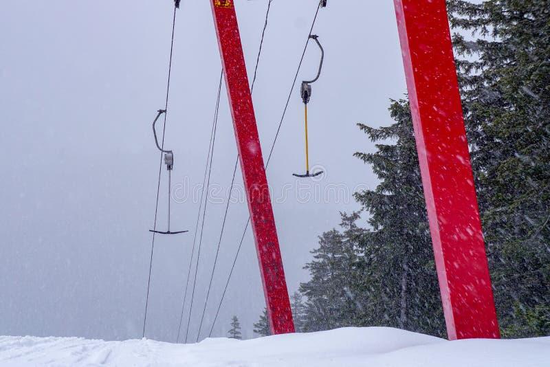 Alpejskiego narciarstwa skłon Russia zdjęcie royalty free