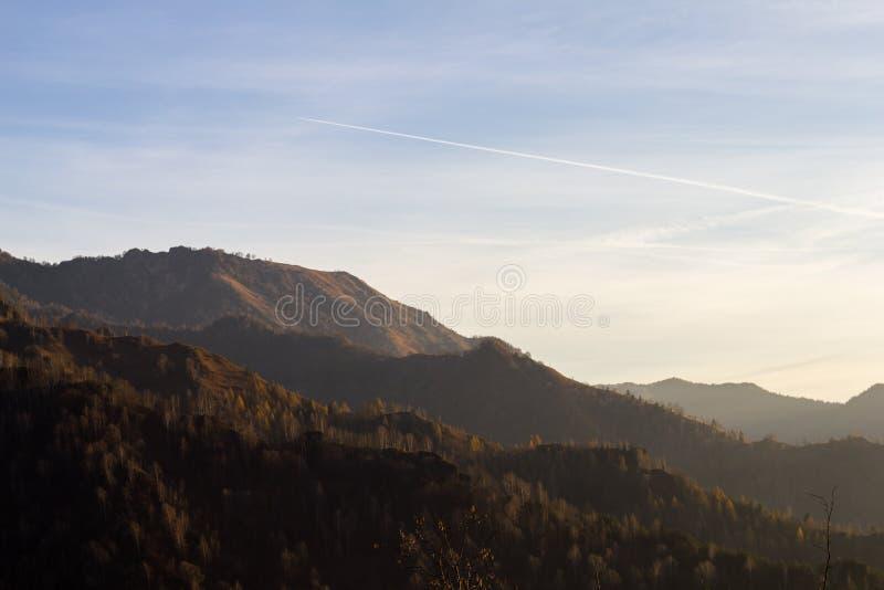 Alpen bei Sonnenuntergang lizenzfreies stockbild