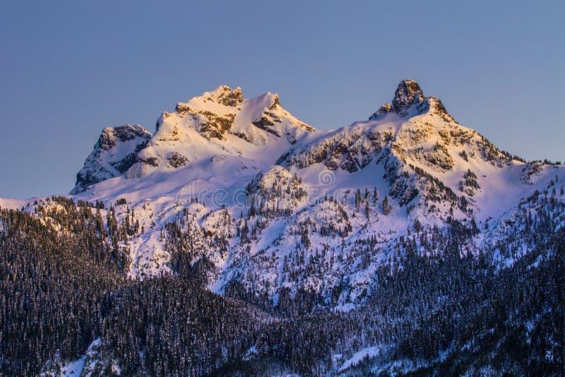 Alpen glöd arkivbild