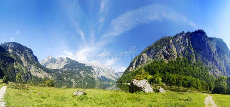 Alpen und See stockbilder