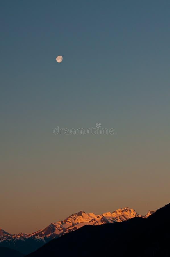 alpenglow βουνά στοκ φωτογραφία με δικαίωμα ελεύθερης χρήσης