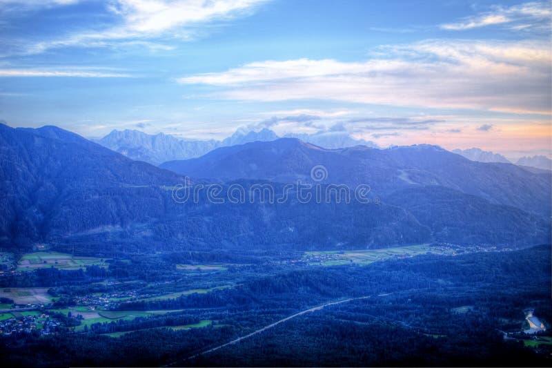 Alpes autrichiens dans Carinthie, près de Villach Alpenstrasse image stock