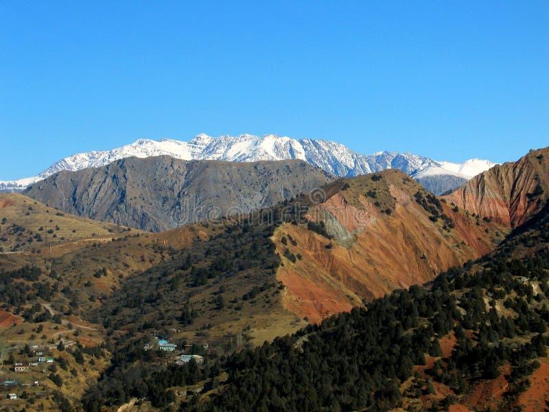 Alpes distantes da neve fotos de stock royalty free