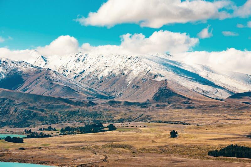 Alpes du sud et lac Tekapo photos stock