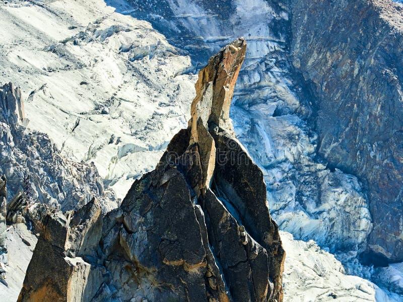 Alpes, Mont Blanc et glaciers français comme vu d'Aiguille du Midi, Chamonix, France photographie stock