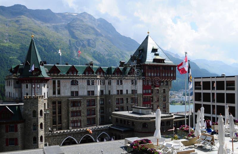 Alpes suisses : L'hôtel légendaire de palais de Badrutt à St Moritz photographie stock libre de droits