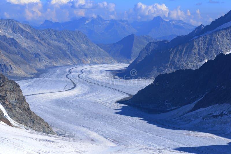 Alpes suisses : La vue panoramique du l'Aletsch-glacier de fonte chez Jungfraujoch photos stock