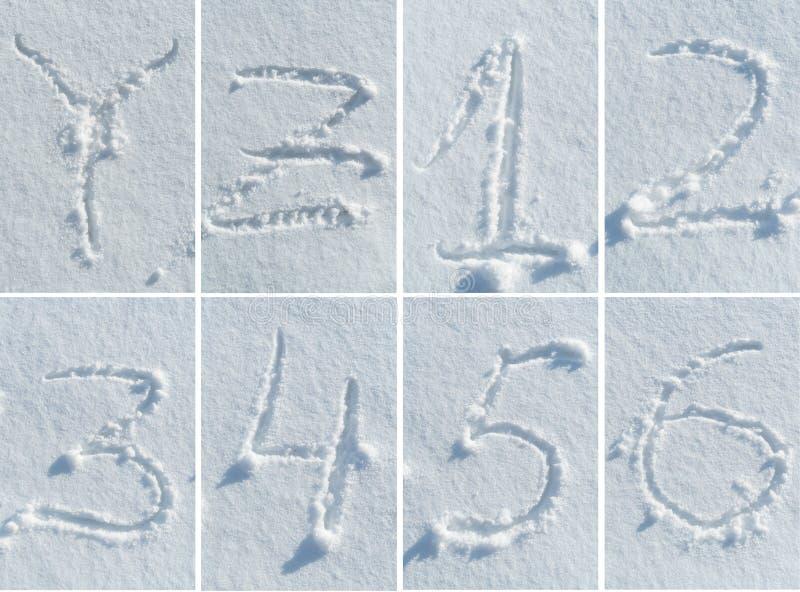 Alphabet anglais dans la neige - ensemble de police photo stock