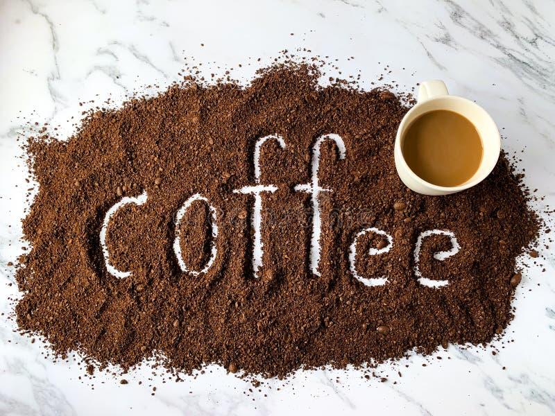 Alphabet de café et tasse de café images stock