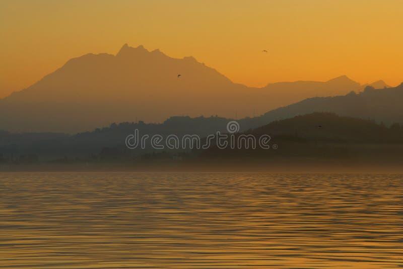 Alpi crepuscolari fotografie stock libere da diritti