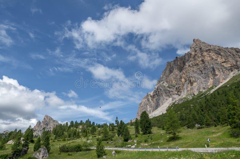 Alpi delle dolomia, montagna, estate, Italia fotografie stock libere da diritti