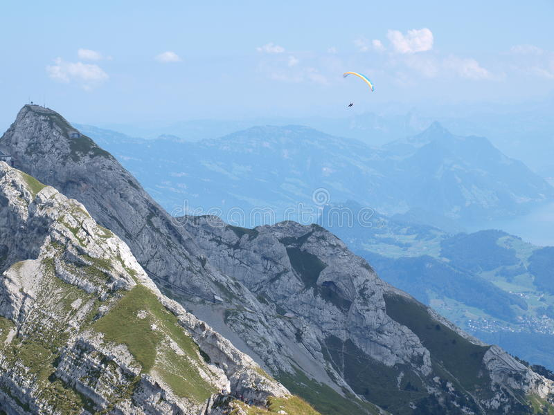 Alpi eccessive disperse nell'aria fotografie stock