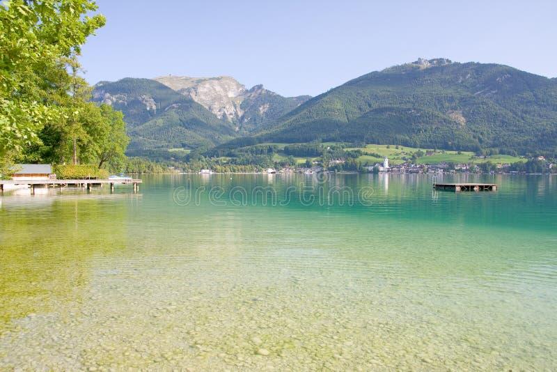 Alpien meerlandschap stock fotografie
