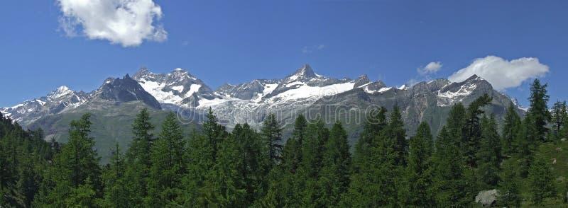 Alpien panorama royalty-vrije stock afbeelding