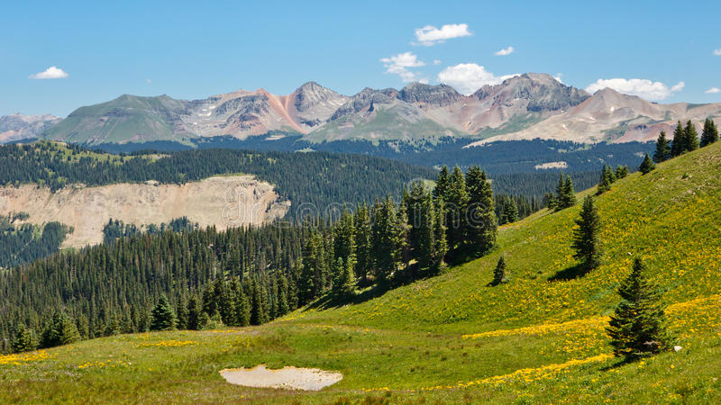 Alpien Panorama langs de Sleep van Colorado stock fotografie