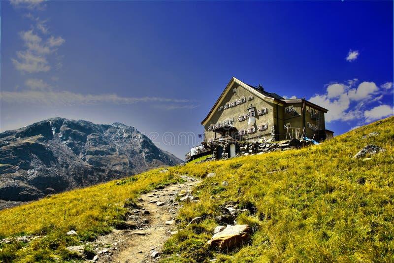 Alpiene hut royalty-vrije stock fotografie