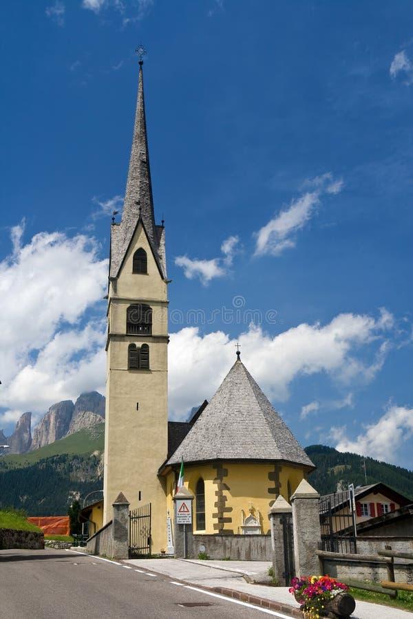 Alpiene kleine kerk royalty-vrije stock afbeeldingen