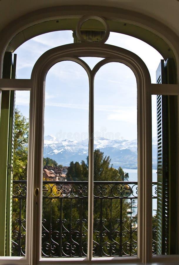 Alpiene mening royalty-vrije stock fotografie