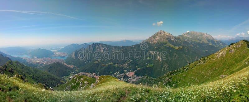 Alpiene vallei en brianzameren royalty-vrije stock fotografie