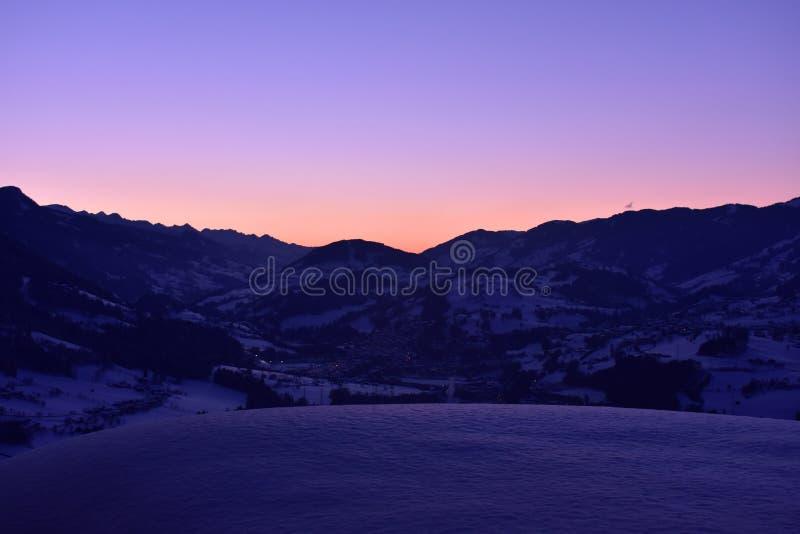Alpin afton royaltyfri foto