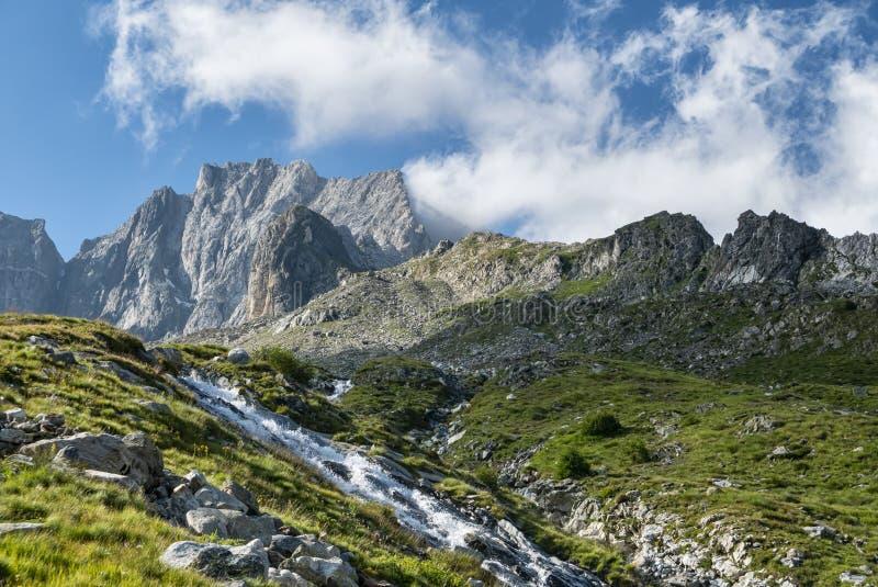 Alpin-Alptransit lizenzfreies stockfoto