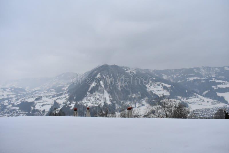 Alpin eftermiddag arkivfoto