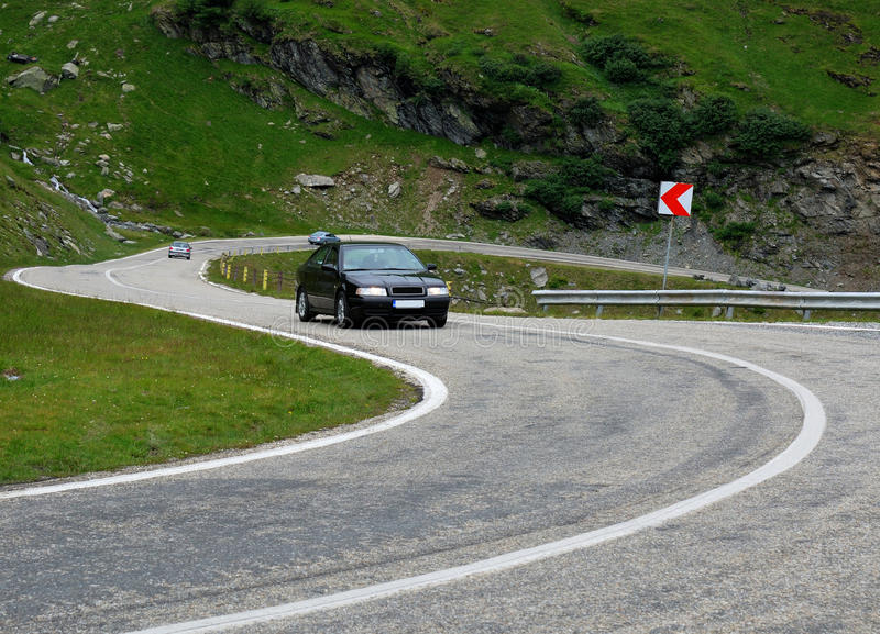 alpin huvudväg transfagarasan romania fotografering för bildbyråer