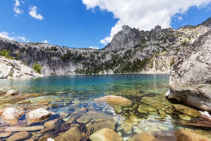 alpin lake royaltyfri fotografi