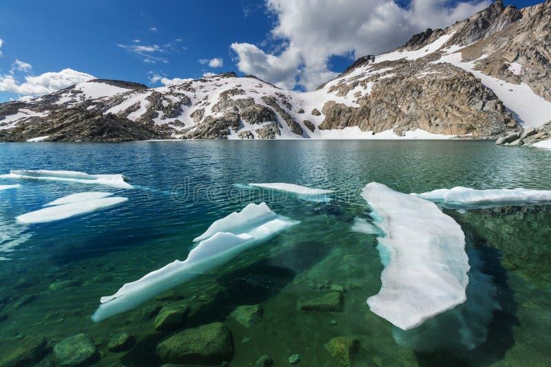 alpin lake arkivfoto