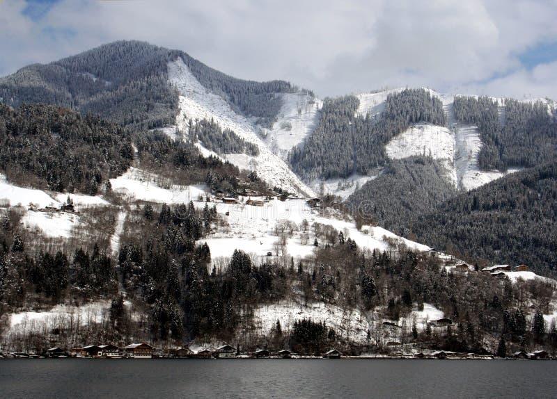 Alpin lake och berg royaltyfria foton