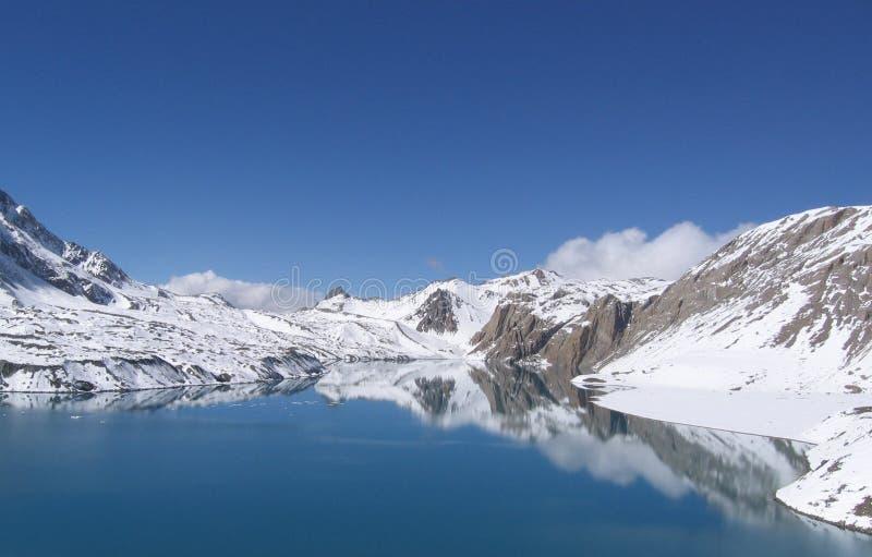 Alpin sjö Telicho, Himalayas, Nepal arkivfoton