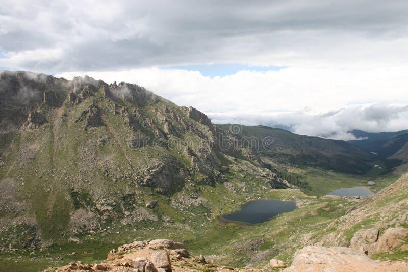 Alpina sjöar arkivbild