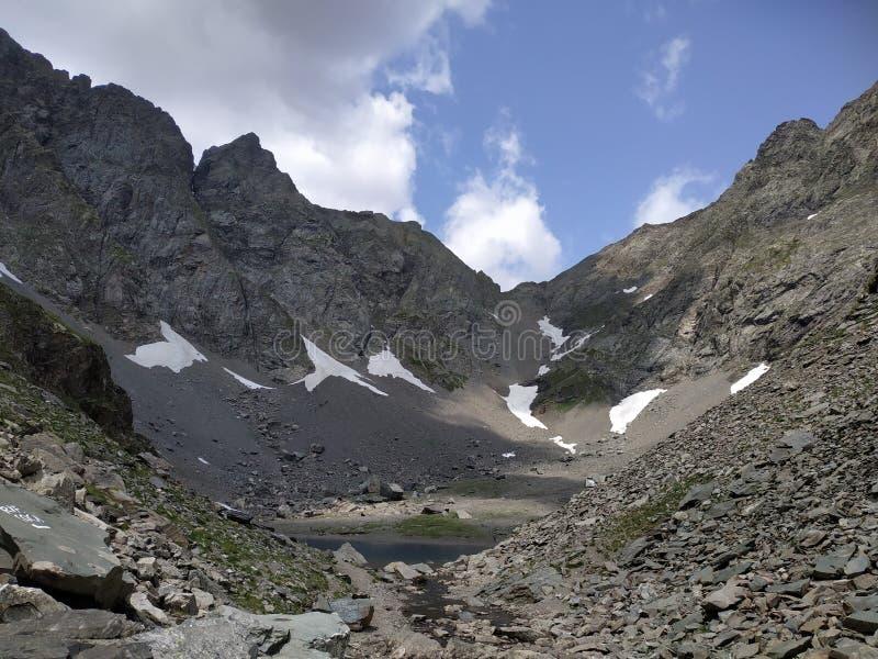 Alpine See Koka auf Orobie-Bergen lizenzfreies stockbild