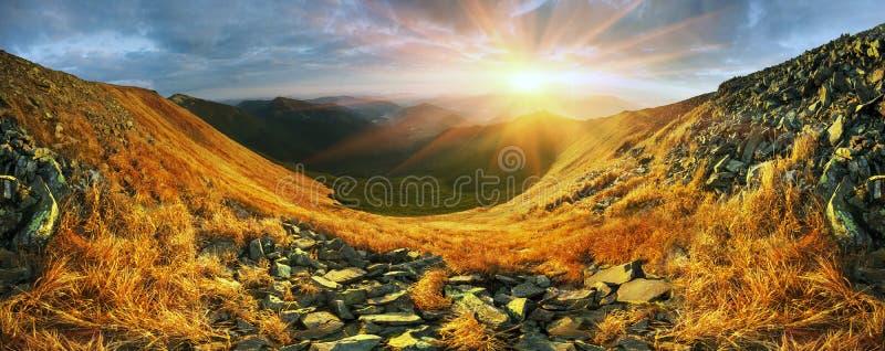 Alpiner Herbst in Gorgany lizenzfreie stockfotografie