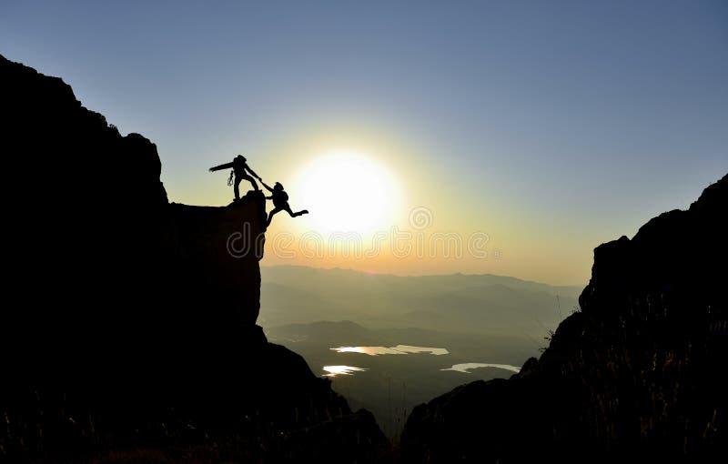Alpinisme en het beklimmen van activiteiten stock fotografie