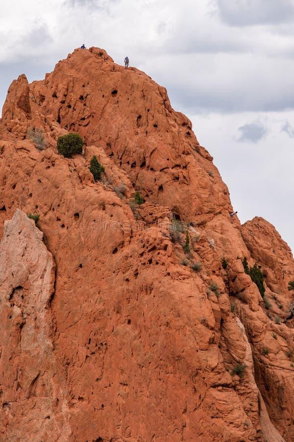 Alpinist bergbeklimming bij tuin van de rotsachtige bergen van godencolorado springs royalty-vrije stock foto