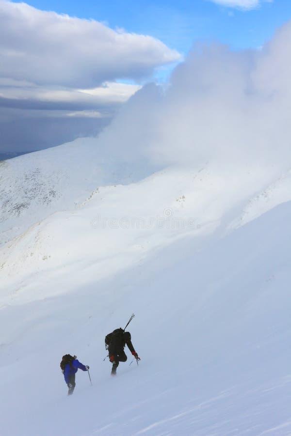 Alpinists de Cimbing foto de stock royalty free