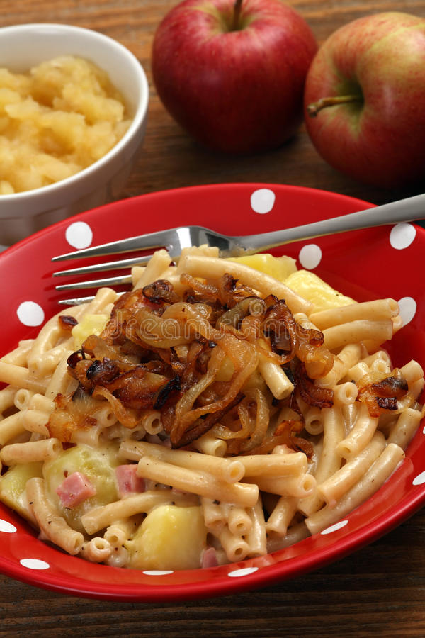 Download Alplermagronen imagem de stock. Imagem de prato, alimento - 23322261