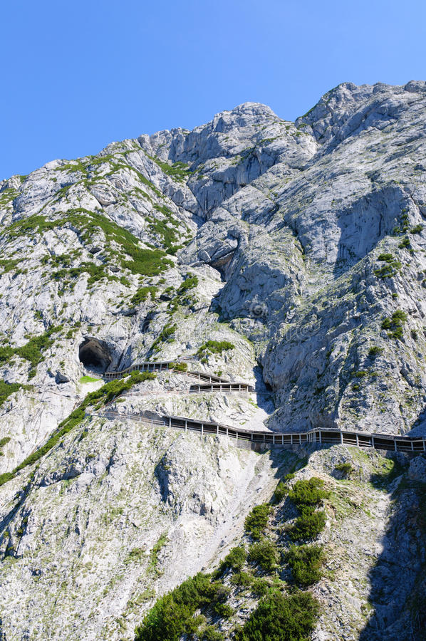 Free Alps And The Way To The Eisriesenwelt (Ice Cave) In Werfen, Austria Stock Photo - 30531120
