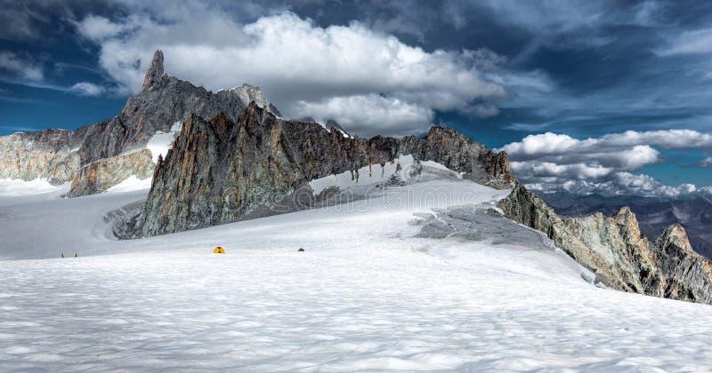 Alps g?r grani szczyt?w lodowa krajobraz, Mont Blanc masyw obraz royalty free