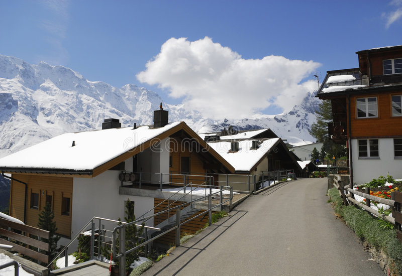 alps murren gataschweizare royaltyfri foto